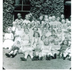 School queen and subjects No. 2 1945